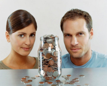 4 Cara Atasi Masalah Keuangan Bagi Pasangan Menikah