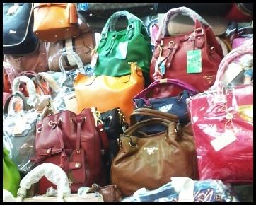 Menelusuri Penjualan Tas KW di Mangga Dua