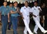 Malam itu, masyarakat Indonesia juga menyanyi dan menari bersama prajurit TNI AL diatas KRI Dewaruci sambil menikmati makan malam bersama. (Konsul Jenderal RI Houston)