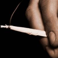 1 Rokok Ganja Sama Bahayanya dengan 20 Rokok Tembakau