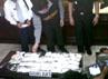 Tersangka Kulamdhas Thakeer Mohammed Rafeek (28) ditangkap di Bandara Polonia, pada 9 Juni lalu setelah ditasnya ditemukan bahan narkotika yang dikemas dalam wadah 49 stainless steel. Dia baru tiba dari India dengan transit ganti pesawat di Singapura dengan menggunakan pesawat Silk Air dengan nomor penerbangan MI-234. Khairul Ikhwan/detikcom.