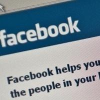 Buka Facebook dan SMS Terus Karena OCD, Harus Bagaimana?