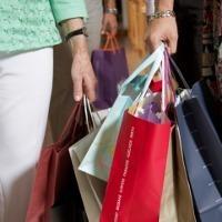 Stres Paling Efektif Diobati dengan Belanja?