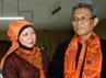 Calon Wakil Gubernur DKI Jakarta Didik J Rachbini (kanan) berbincang dengan istri Gubernur Jawa Barat Netty Ahmad Heriawan (kiri). (Rizal).