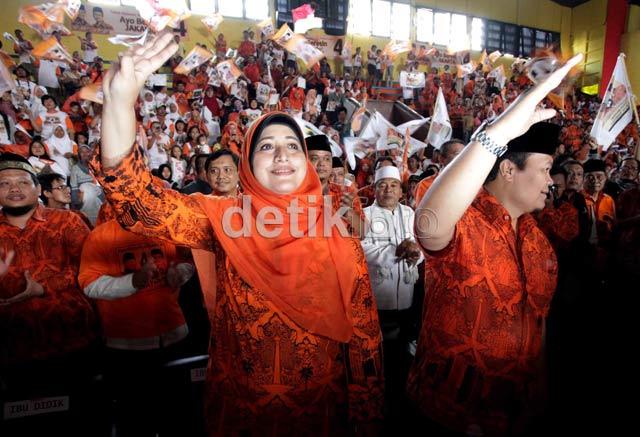 Ribuan Orang Padati Kampanye Hidayat-Didik