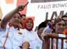 Anas Urbaningrum dan Edhi Baskoro Yudhoyono (Ibas) menyapa simpatisan saat menghadiri kampanye Foke-Nara di  Stadion Soemantri, Kuningan, Jakarta.