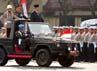 Presiden SBY yang menjadi inspektur upacara melakukan inspeksi pasukan. Rusman/Setpres.