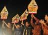 Pelepasan rombongan Solo Batik Carnival 5 oleh Pengurus Yayasan SBC, dan Pemkot Surakarta, dan Wakil Walikota Surakarta. (Aloysius Jarot Nugroho)
