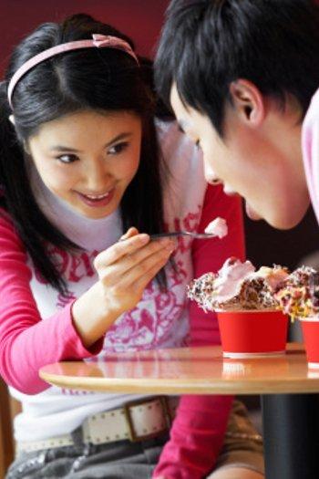 Kebiasaan Makan Orang Indonesia yang Sering Bikin Sakit 1