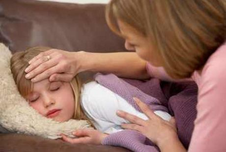Pertolongan Pertama Jika Anak Demam di Malam Hari