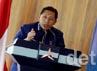 Ketua Umum Partai Demokrat Anas Urbaningrum usai membuka diskusi di kantor DPP Demokrat.