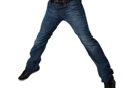 Pria Yang Suka Pakai Celana Ketat Terancam 4 Masalah Kesehatan