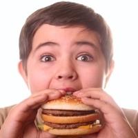 7 Kesalahan Orangtua yang Sebabkan Anak Gemuk