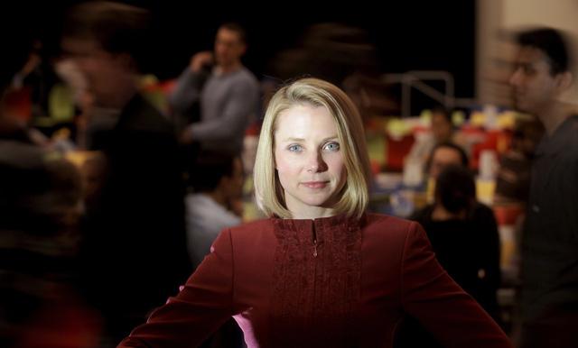 Mayer,  Bos Baru Yahoo yang Cerdas dan Cantik