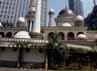 Berbagai kegiatan Ramadan diselenggarakan disini. Di hari-hari biasa, masjid ini kerap dipakai untuk acara pernikahan.