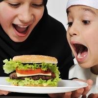 Makanan yang Sebaiknya Dihindari Saat Sahur