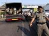 Aparat kepolisian terus berjaga-jaga dan memantau keamanan di tol Jatibening, Bekasi.