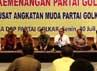 Santer dikabarkan bahwa acara ini adalah buntut perpecahan yang terjadi di internal partai Golkar. Namun isu itu dibantah oleh sang Ketua Umum, Aburizal Bakrie.