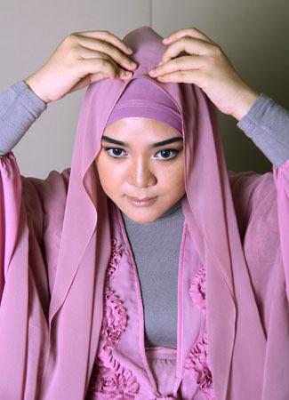 Tutorial Hijab untuk Tampilan Menawan Saat Idul Fitri 4