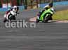 Kalangan jurnalis dan masyarakat umum menjajal raja motor sport 250 cc di sirkuit Sentul, Citeureup Bogor. Syubhan Akib/detikOto.
