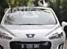 Namun bukan berarti tidak ada kelemahan, perpindahan Peugeot 308  saat menggunakan transmisi manual agak terasa berat. Dan kendaraan terasa jedak-jeduk saat masuk di atas 1.800 rpm.