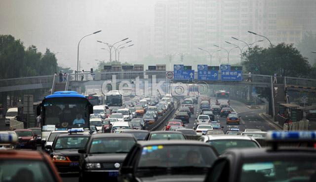Cuaca Berkabut Kepung China Daratan