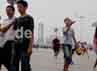 Cuaca yang berkabut dan suhu yang panas tidak menyurutkan  para wisatawan untuk berwisata di kawasan Kota Terlarang.