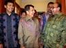 Jusuf Kalla menyambut mantan Menteri Luar Negeri Hasan Wirajuda dan Alwi Shihab. (Ramses/detikcom).