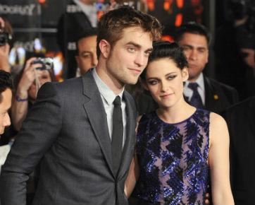 Robert Pattinson Kecanduan Baca Tabloid Gosip Tentang Kristen Stewart