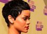 Rihanna kembali tampil dengan rambut super pendeknya. Christopher Polk/Getty Images.