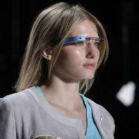 Kacamata Futuristik Google Rambah Dunia Fashion