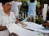 Pilgub DKI Jakarta kali ini menampilkan 2 kandidat yakni inkamben Fauzi Bowo dan penantang dari Solo, Joko Widodo (Jokowi).