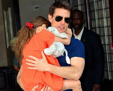 Kangen, Tom Cruise Telepon Suri Setiap Hari