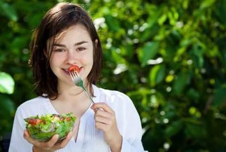 8 Makanan yang Pencegah Kanker Usus Besar