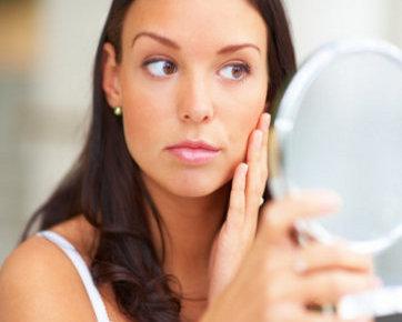 6 Trik Hilangkan Flek Hitam di Wajah