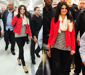 Putus dari Justin Bieber, Selena Gomez Sibuk Promosi Lini Busana