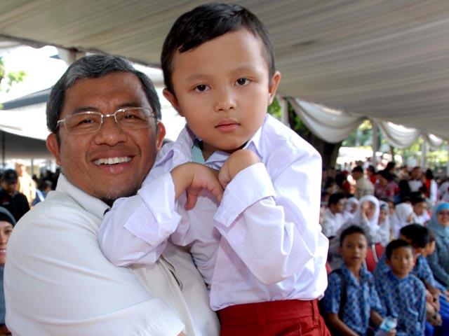 Ahmad Heryawan Sapa Anak-anak Disabilitas