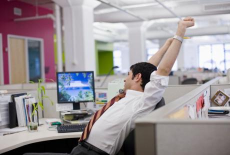 Lakukan 5 Hal Ini untuk Mengusir Kelelahan di Tengah Hari