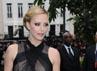Charlize Theron memilih mengenakan gaun hitam menerawang saat premiere 'Snow White and The Huntsman' di London, Inggris, pada 14 Mei lalu. Stuart Wilson/Getty Images.
