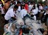 Kegiatan bersih-bersih ini dipelepori oleh manajemen PT Pembangunan Jaya Ancol.