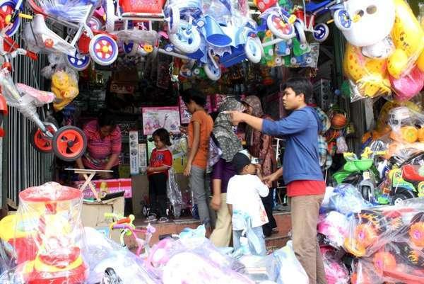 Jakarta Punya 7 Pasar Keren yang Harus Anda Tahu dfa4e2390f