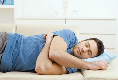 Ini Dia Posisi Tidur yang Baik dan Buruk bagi Kesehatan