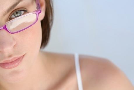 Ingin Obati Mata Minus dengan Lasik? Ini Syaratnya