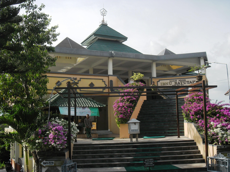 Bali Punya 5 Tempat Ibadah Dalam 1 Komplek