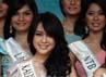 Para finalis yang bersaing memperebutkan mahkota Miss Indonesia yang akan menuju ke ajang Miss World 2013.