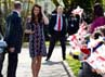 Kate Middleton tiba di sekolah dasar Willow. REUTERS/Paul Ellis/POOL.