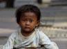 Pemerintah diminta lebih memperhatikan dan peduli dengan semakin bertambahnya jumlah anak-anak jalanan.