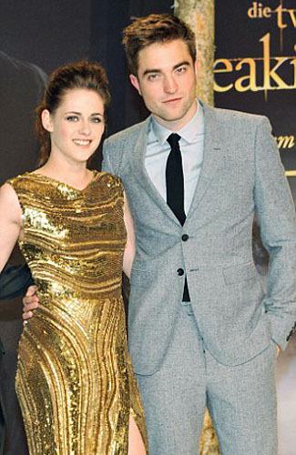 Foto: Senyum Bahagia Kristen Stewart Pasca Putus dari Robert Pattinson 9