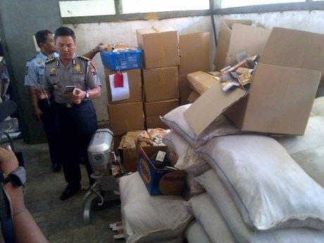 polisi hentikan produksi jamu kuat ilegal di semarang