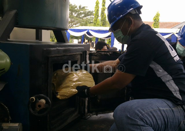 BNNP Jatim Musnahkan 5,170 Gram Sabu